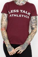 Less Talk Athletics – tailliertes Shirt