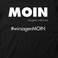 Moin – refugees welcome – T-Shirt